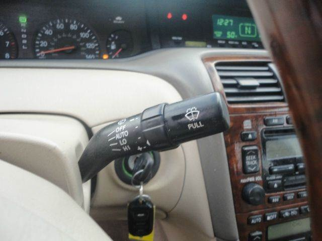 Clean Toyota Avalon For Sale 2004 Model For Urgent Sale